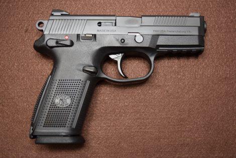 FN FNX™-40 BLK 40S&W 4″